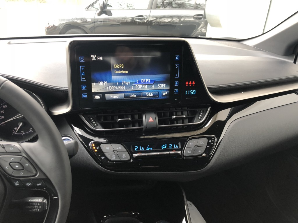 Toyota C-HR 1,8 Hybrid