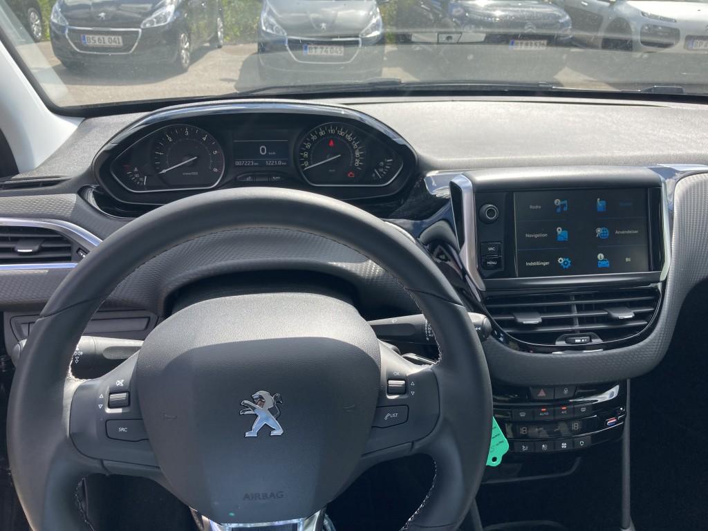 Peugeot 208 Velvet