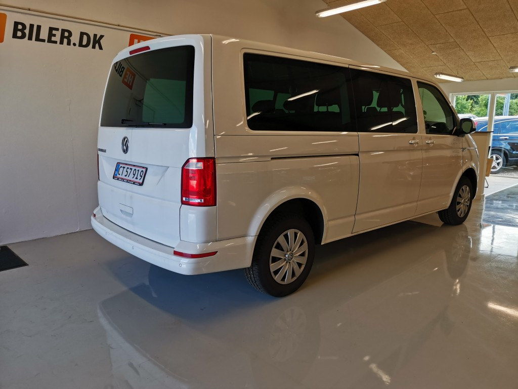 VW Caravelle Lang 9 personer