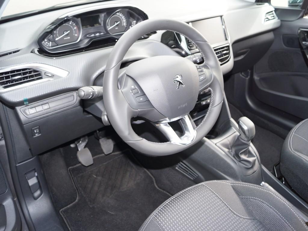 Peugeot 208 Sky